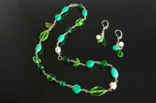 Emerald Glass and Freshwater PearlNecklace